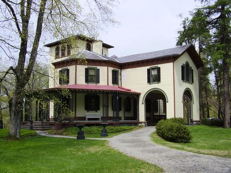 Locust Grove Estate